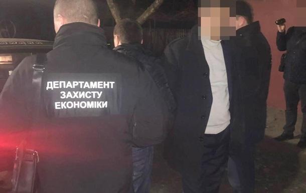 В Житомирской области глава сельсовета задержан на взятке почти в миллион