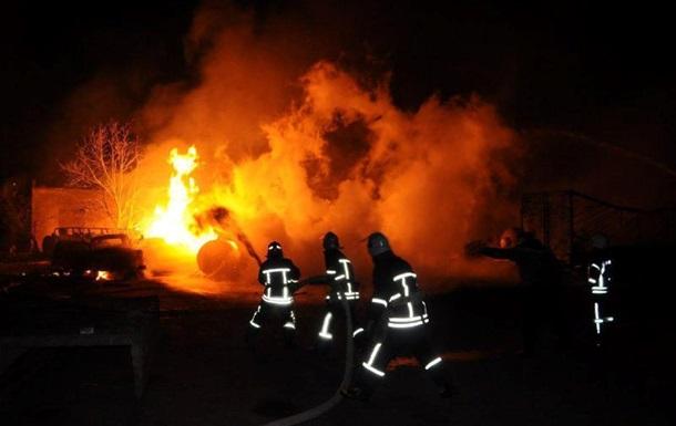 Пожар на автостоянке в Кропивницком ликвидирован