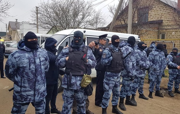 У Росії затримали трьох кримських татар