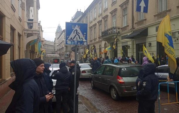 Євробляхери  перекрили центр Львова