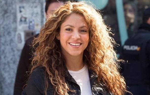 В качестве доказательств в суде Шакира спела песню