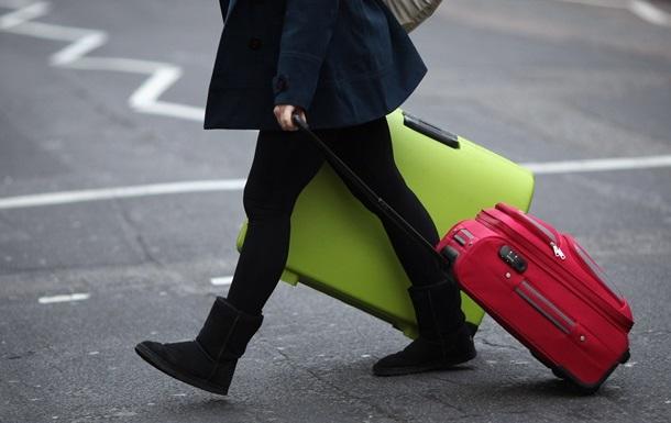 АМКУ відкрив справу через нові правила провезення багажу в літаках