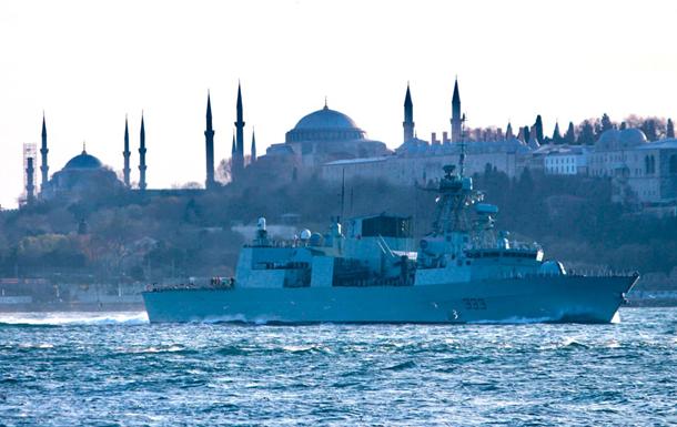 Є відео проходження кораблів НАТО через Босфор