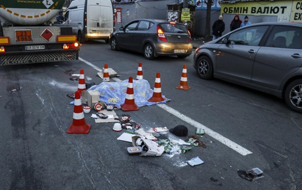 У Києві чоловік загинув під колесами бензовоза