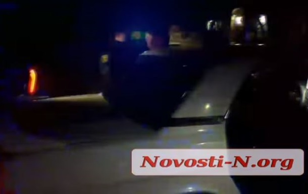 У Миколаєві п яний таксист протаранив патрульне авто