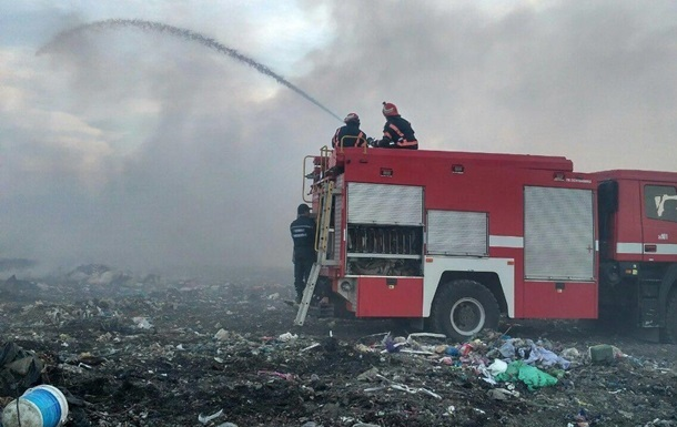 В Черниговской области горит свалка