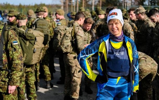 Президент Естонії пробігла марш-кидок з військовими