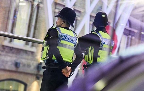 У Лондоні чоловік напав із ножем на перехожих