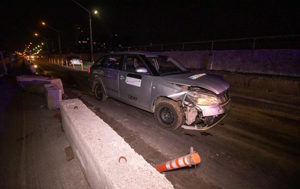 У Києві п яний таксист влаштував аварію