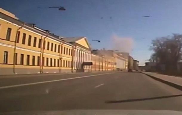Момент вибуху в петербурзькій військовій академії потрапив на відео