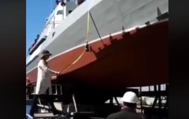 У Києві спустили на воду новий бронекатер