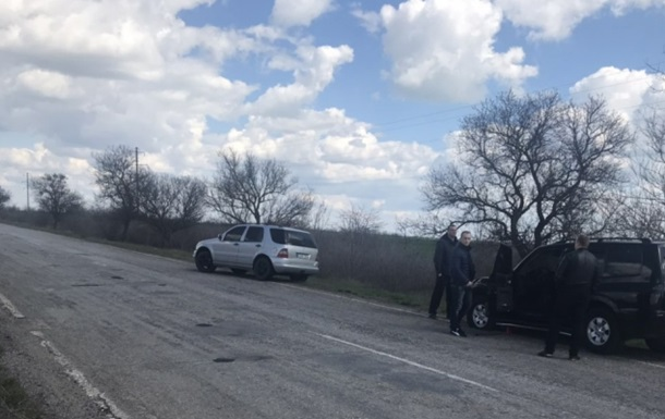 У Херсонській області обстріляли автомобілі охорони