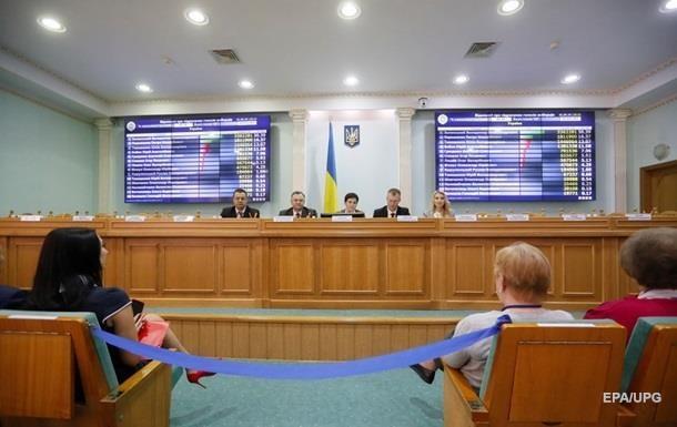ЦИК приняла протоколы половины окружкомов