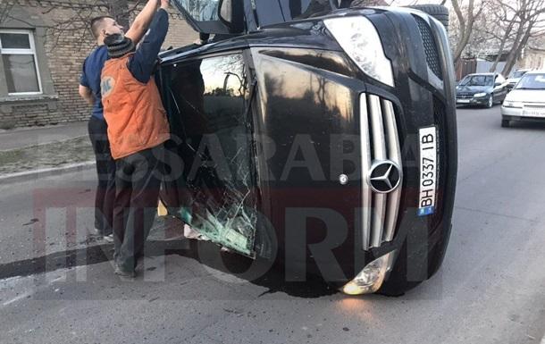 В Ізмаїлі семеро людей постраждали в ДТП за участю маршрутки - фото