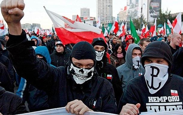 Нацисты из Европы стекаются в Киев