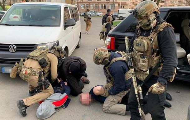 СБУ затримала банду вимагачів в Ужгороді