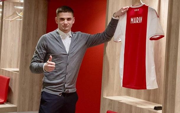 Аякс замість де Йонга, який іде в Барселону, купив румунського півзахисника
