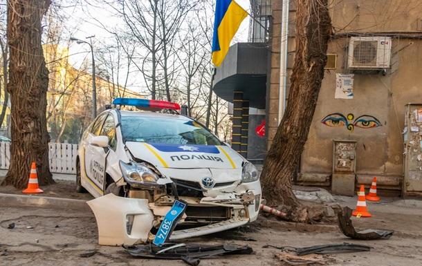 У Дніпрі автовикрадач наїхав на поліцейського