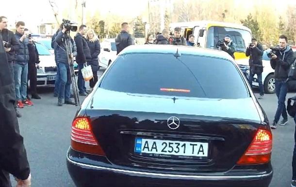 Зеленський приїхав на аналізи на колишньому авто Коломойського - нардеп