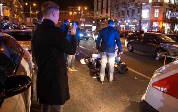 У Києві скутер збив пішохода