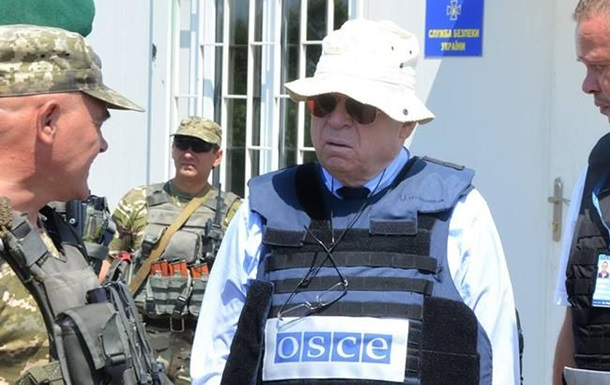 Представник ОБСЄ відвідав заручників у Донецьку