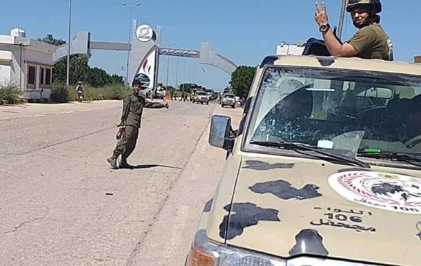 Війська маршала Хафтара за 10 км від центру Тріполі - ЗМІ