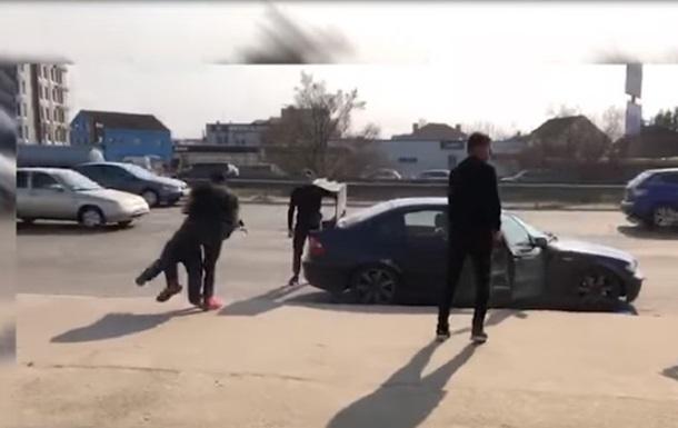 У Києві імітували викрадення людини