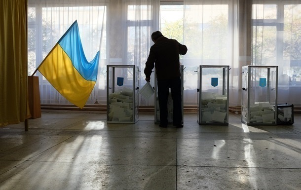 ЦВК приймає заяви про зміну місця голосування