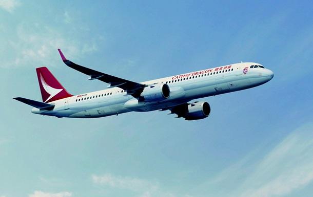 Літак з 317 пасажирами на борту екстрено сів на Тайвані