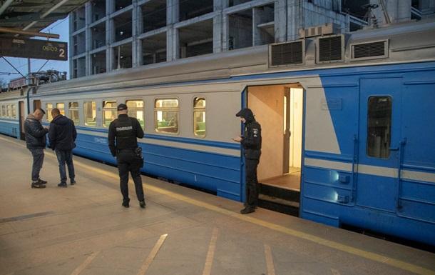 У Києві в електричці виявили мертвого чоловіка