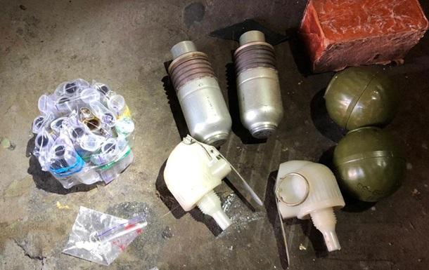 У Дніпропетровській області знайшли в гаражі гранати і тротил