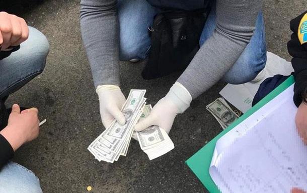 В Одеській області прокурор-хабарник вивів поліцію на схованку зі зброєю