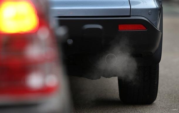У Лондоні ввели щоденний збір з водіїв за забруднення повітря