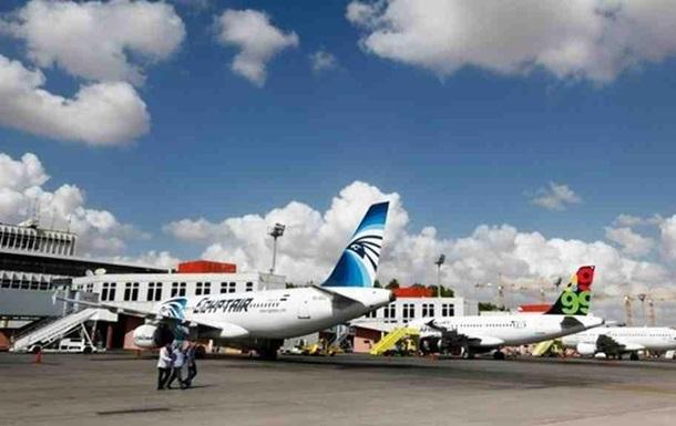 Аеропорт у Тріполі зупинив роботу після обстрілу ВПС Лівії
