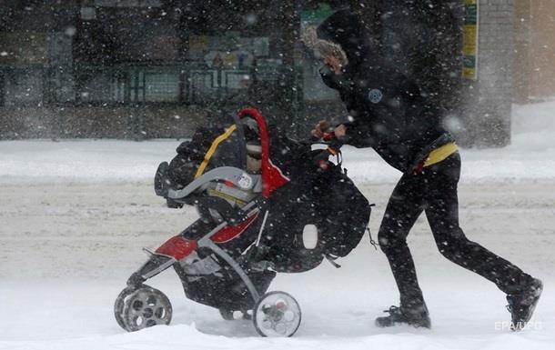 Снігопад порушив роботу аеропортів у Канаді