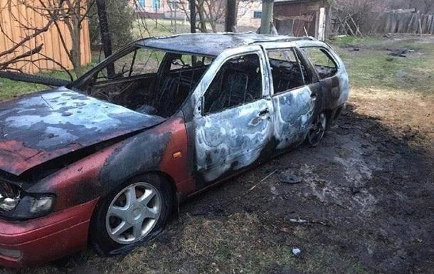 Під Києвом спалили автомобіль депутата - соцмережі