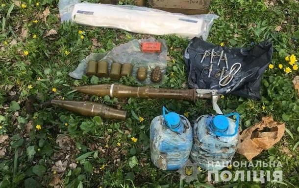 На Луганщине вблизи детского лагеря нашли тайник с боеприпасами