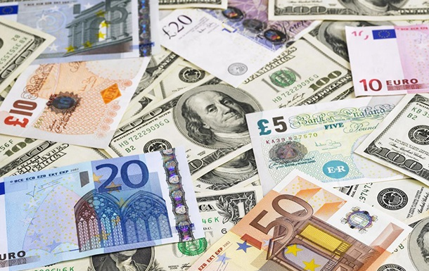 Валютна свобода: чи тікатимуть з України гроші?