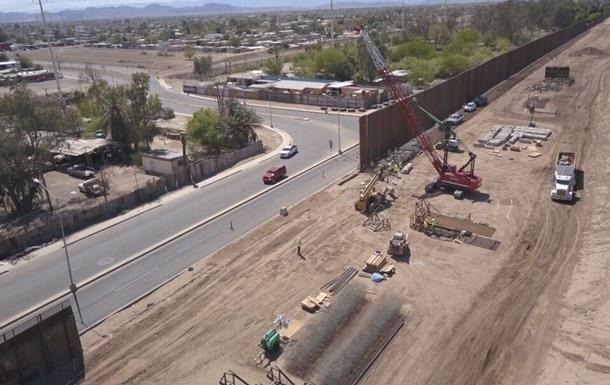 Пентагон уклав контракти щодо стіни з Мексикою