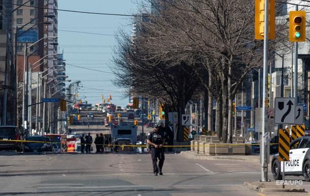 В Канаде пассажиры столкнувшихся автомобилей устроили стрельбу
