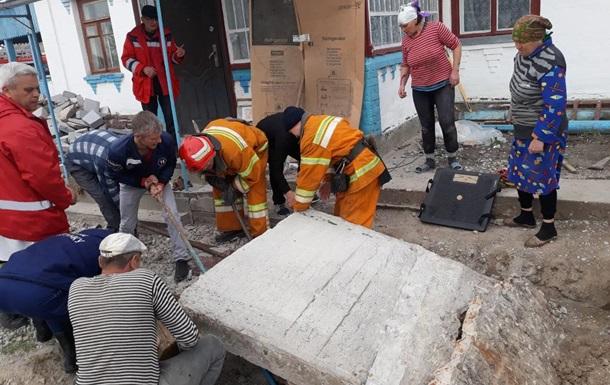 У Черкаській області на робітника впала бетонна плита