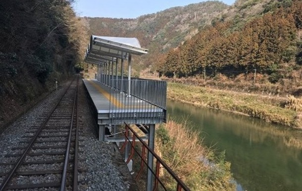 В Японії з явилася залізнична станція без входу і виходу
