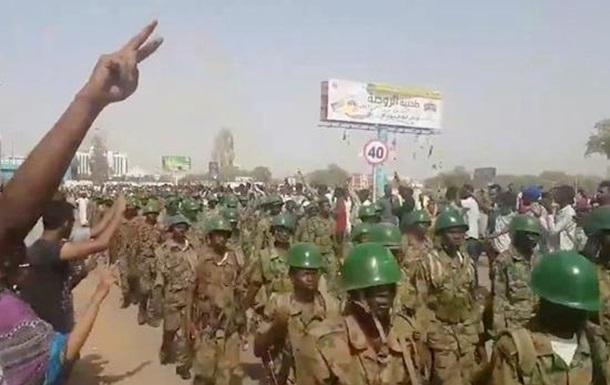 В Судане - военный переворот