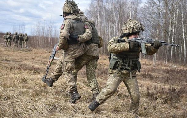 Загострення на Донбасі: поранені троє військових