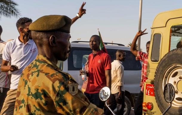 Министр обороны Судана взял на себя управление страной