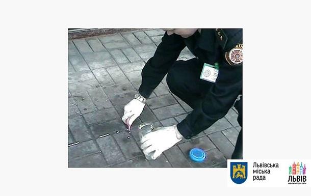 Во Львове возле автовокзала разлили более 2,5 кг ртути