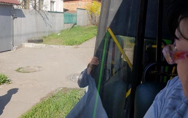 В Харькове у маршрутки на ходу отвалилась дверь - соцсети
