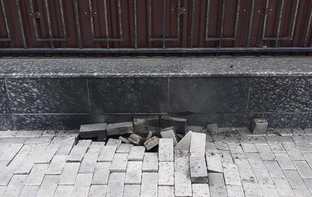 У Києві біля російського посольства стався вибух