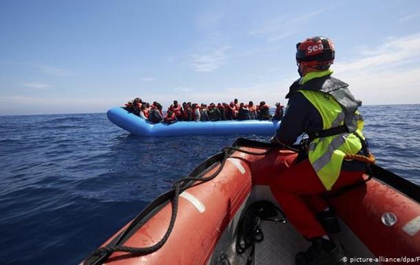Врятованих у Середземному морі мігрантів розподілять між країнами ЄС