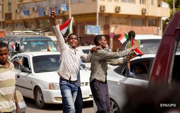 У Судані скасували комендантську годину